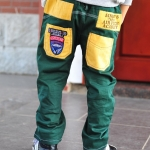 กางเกงยีนส์ สีเขียว กระเป๋าเหลือง