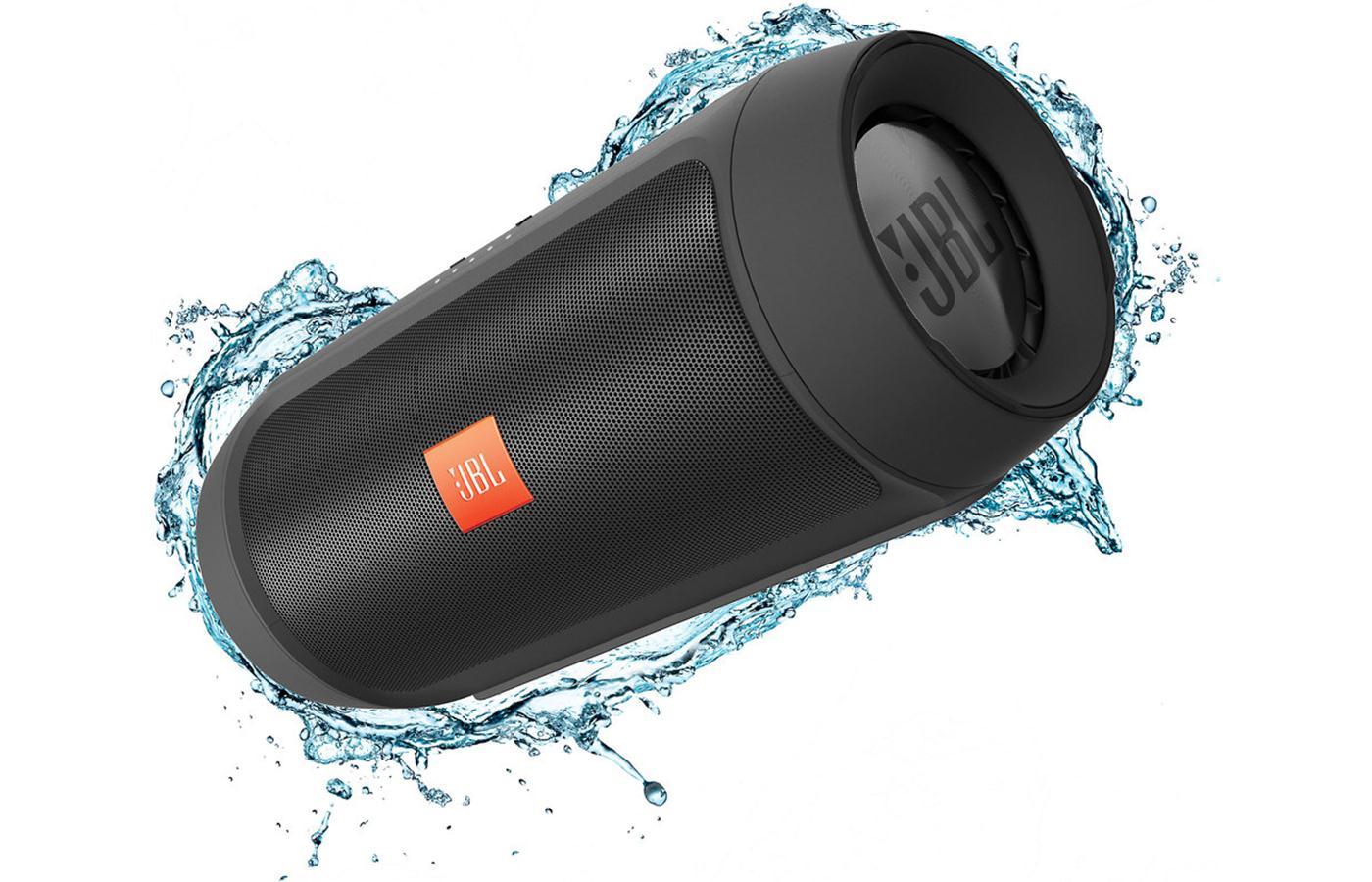 JBL Charge 2+ ลำโพงพกพากันน้ำได้ พลังเสียงเบสอิ่ม แน่น กระหึ่ม (Black) แถมกระเป๋าฟรี 1 ใบ