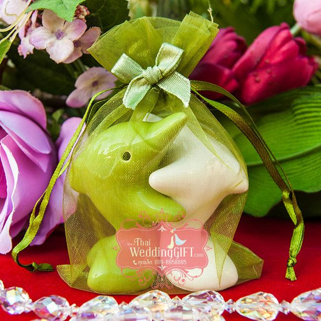 กระปุกพริกไทย เซรามิคปั้นรูปปลาโลมากอดกัน แพ็คถุงผ้าแก้ว