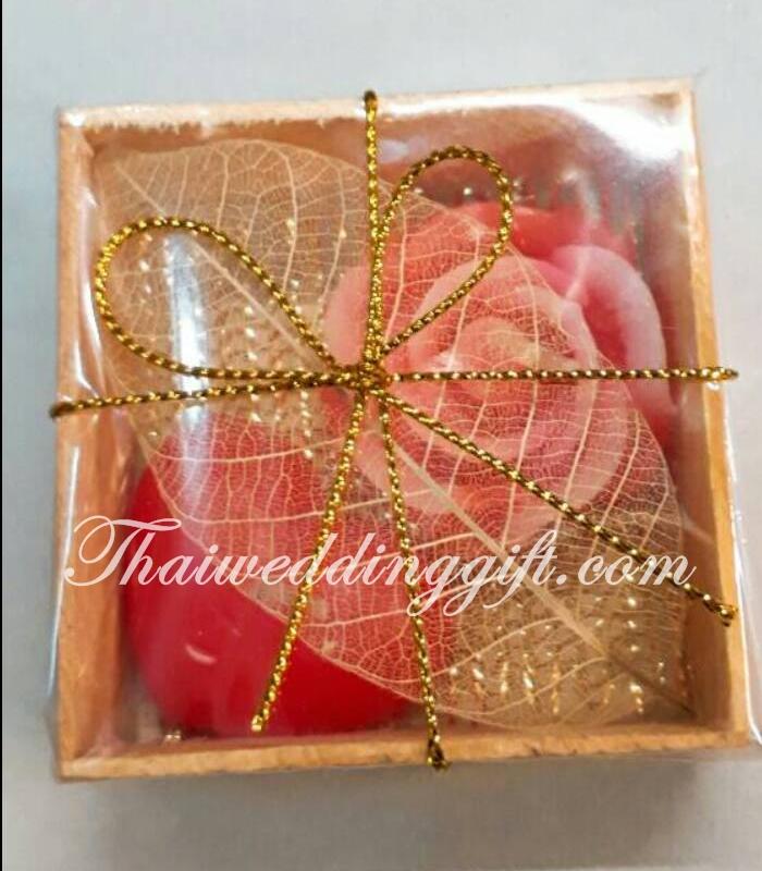 เทียนหอมดอกกุหลาบ คู่หัวใจ แพ็คกล่องไม้