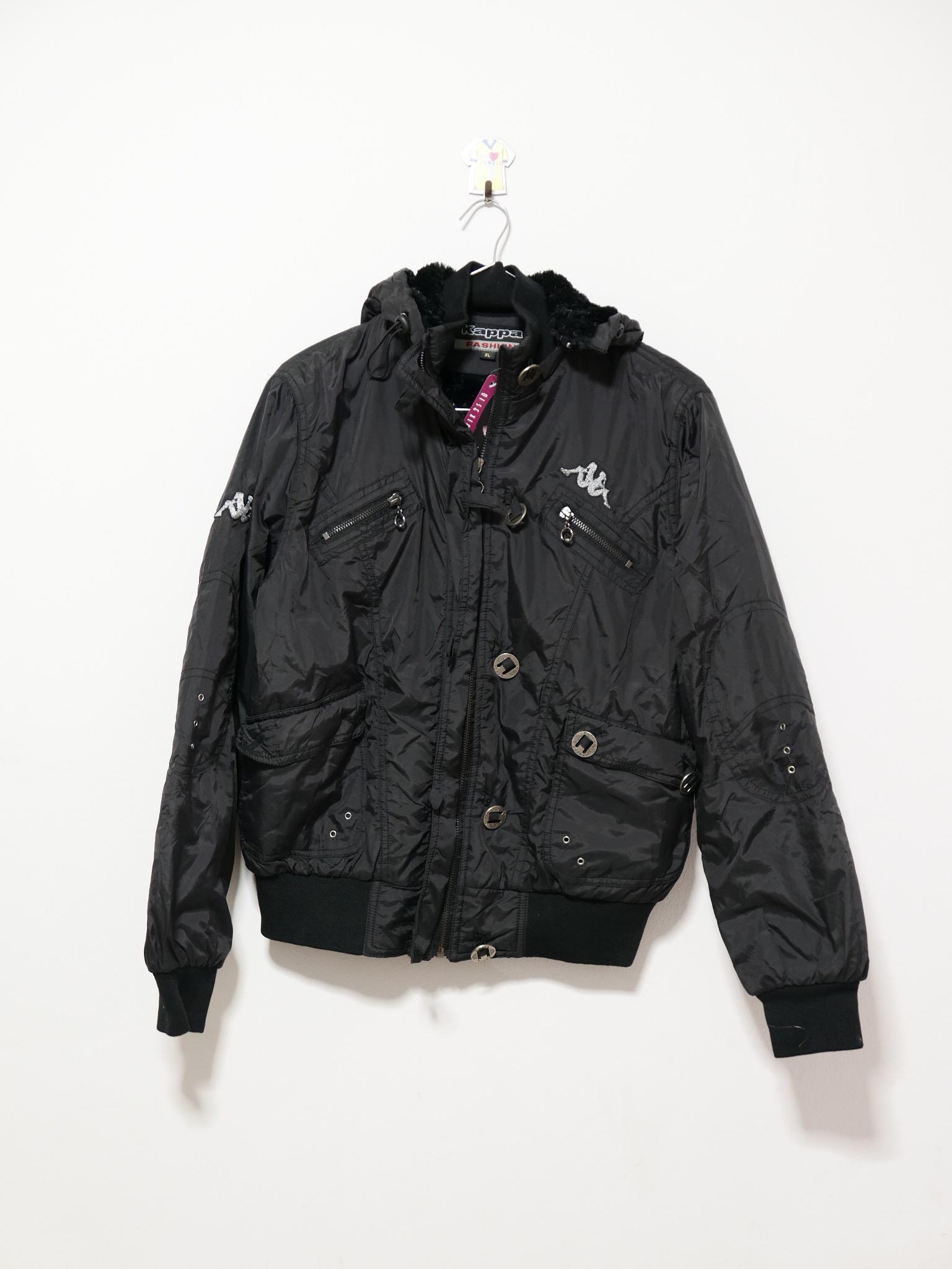 เสื้อหนาวสีดำ Kappa