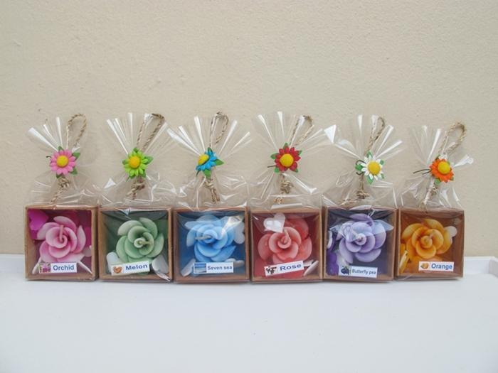 เทียนหอมดอกกุหลาย พร้อมหัวใจ 3 ชิ้น แพ็คกล่องไม้