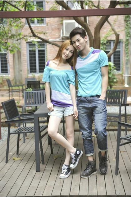ชุดคู่รักแฟชั่นไสตล์เกาหลี เสื้อแขนเปิดไหล่ สีฟ้าน่ารัก + เสื้อยืดชาย ผ้านิ่ม ใส่สบายมาก ๆ
