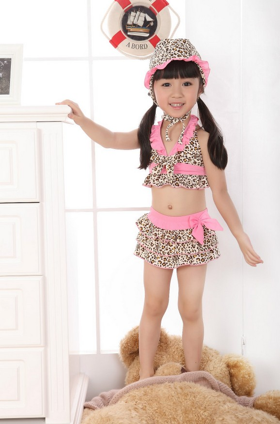 ชุดว่ายน้ำทูพีช+หมวก สีชมพู ลายเสือ