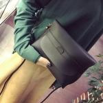 กระเป๋ามินิมอลสีดำ