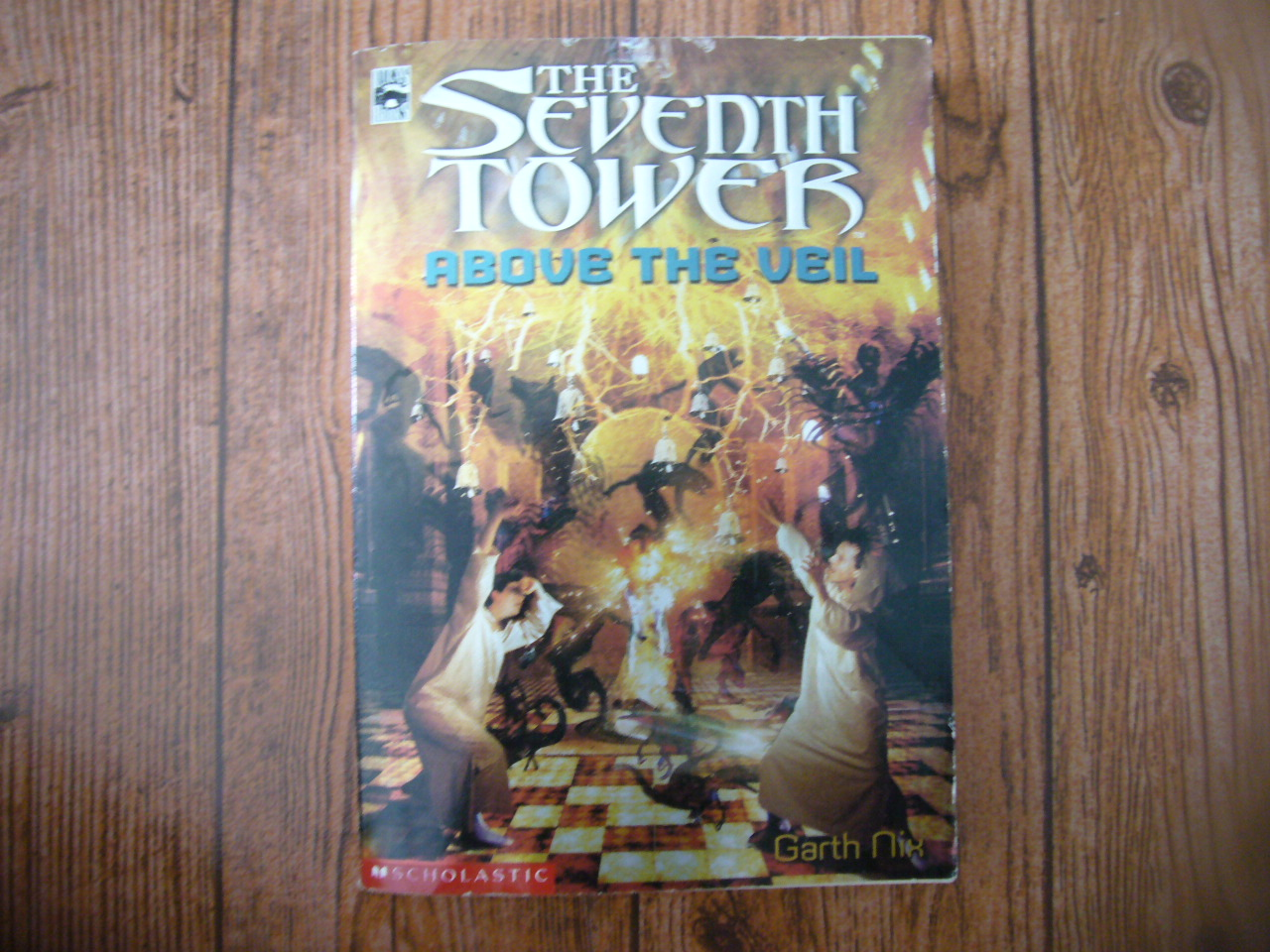The Seventh Tower Book Four: Above the Veil