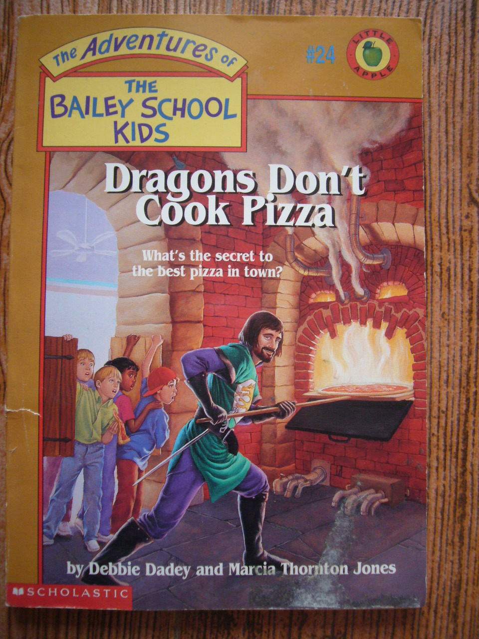 Dragons Don't Cook Pizza (The Bailey School Kids 24)