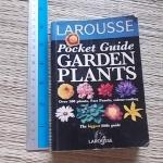 (Larousse) Pocket Guide Garden Plants