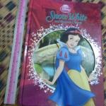 Snow White and the Seven Dwarfs (Disney Classics)