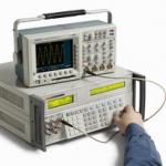 Multi-Product Calibrator (เครื่องมือสอบเทียบสัญญาณไฟฟ้า) ยี่ห้อ Fluke รุ่น Fluke 5522A สอบเทียบค่าทางไฟฟ้าและอุณหภูมิ