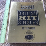Guinness World Records' BRITISH HIT SINGLES (15th Edition)
